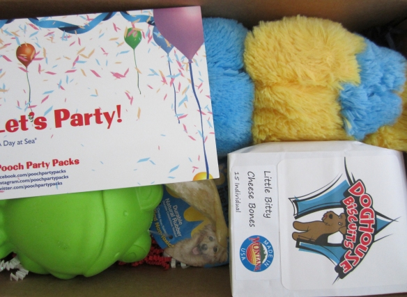 Pooch Party Packs April 2015 Box Review and 10% Off Code