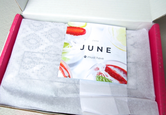 POPSUGAR Must Have June 2016 Box Review plus Gift with Purchase